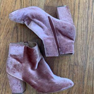 Steve Madden 6.5 pink suede booties